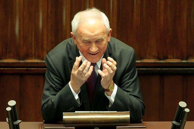 Minister Energii, Krzysztof Tchórzewski zarzeka się, że żadne decyzje dotyczące budowy elektrowni jądrowej w Polsce nie zapadły