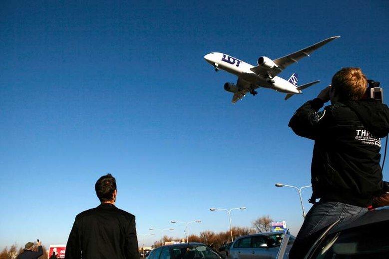 Piloci pracujący dla LOT-u przymierzają się do exodusu