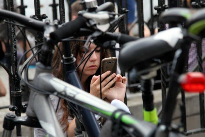 Operatorzy naciskają, by opłaty za zagraniczne połączenia i wiadomości SMS były jednak wyższe niż na rynku krajowym.