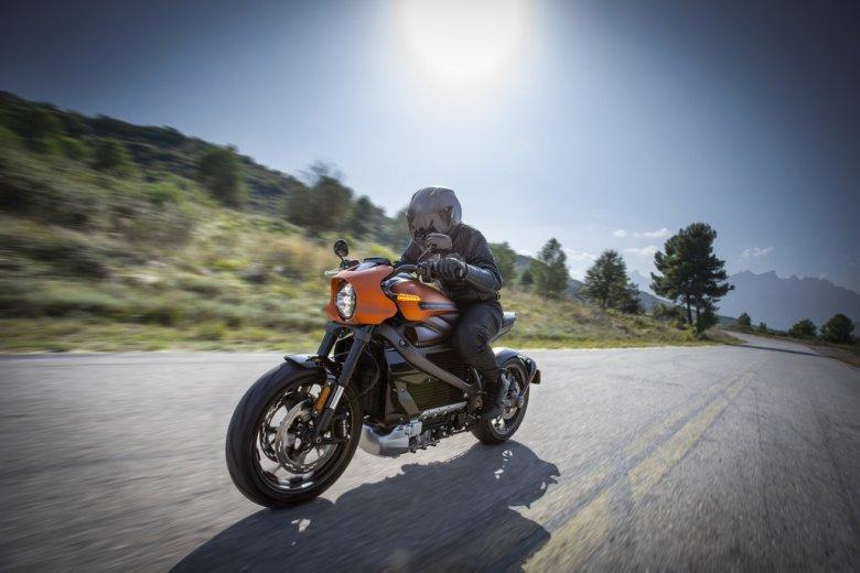 LiveWire - pierwszy elektryczny motocykl Harleya Davidsona. Cena tej maszyny zaczyna się od niespełna 30 tys. dol.