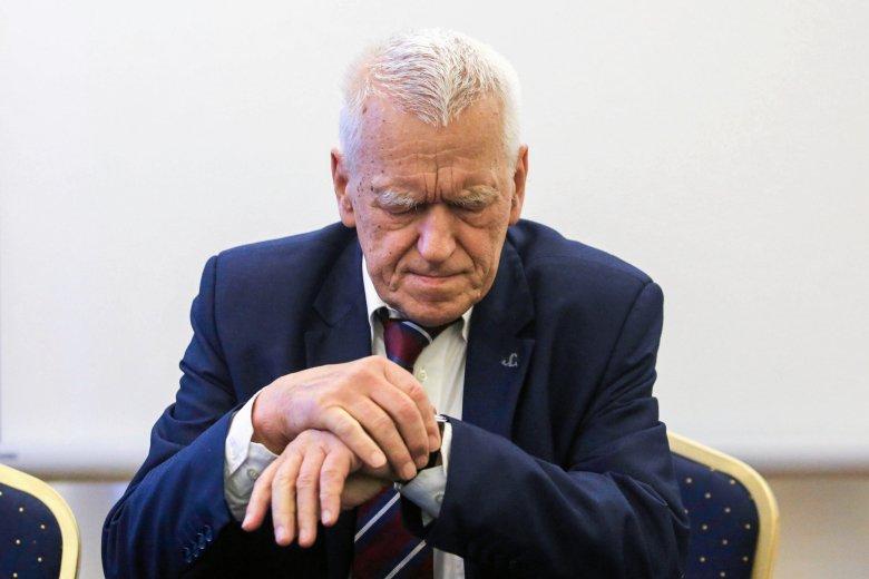 """Partia Kornela Morawieckiego miała proponować przedsiębiorcy zapłatę za remont """"pod stołem""""."""