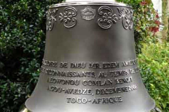 100 kilogramowy dzwon wykonany na misję w Afryce (Togo)