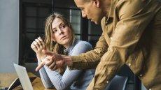 Jak umiejętnie zadawać pytania w pracy, by nie pokazać swojej niekompetencji?