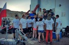 Drużyna Legendary Rover Team z Politechniki Rzeszowskiej już po raz drugi pokonała 28 drużyn z całego świata i wygrała prestiżowe zawody łazików marsjańskich w Stanach Zjednoczonych.