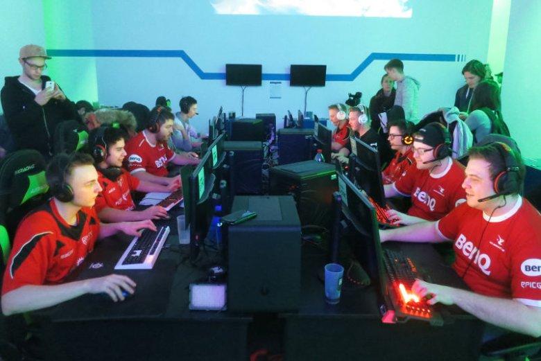 Counter Strike od lat pozostaje jedną z najpopularniejszych gier sieciowych.