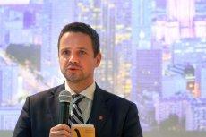Rafał Trzaskowski odbił piłeczkę w kierunku władz centralnych, apelując o zniesienie różnic w bonifikatach i podwyższenie ich przez skarb państwa do 98-99 proc.