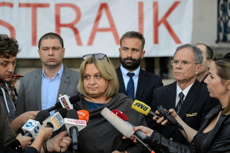 Od zwolnienia Moniki Żelazik i kolejnych 80 osób, uczestniczących w proteście związkowców zaczął się potężny strajk w LOT