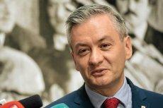 Robert Biedroń chciałby stworzyć program minimalnych emerytur obywatelskich na poziomie 1600 zł.