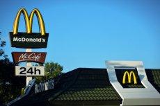 Ustawa krajobrazowa - McDonald's został zmuszony do usunięcia swoich reklam sprzed lokalu. Sieć odwołała się od decyzji miasta