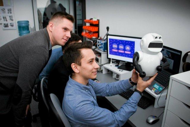 Robot Photon trafił na rynek na bazie funduszy rozdysponowanych w ramach pilotażowego programu Alfa BRIdge.