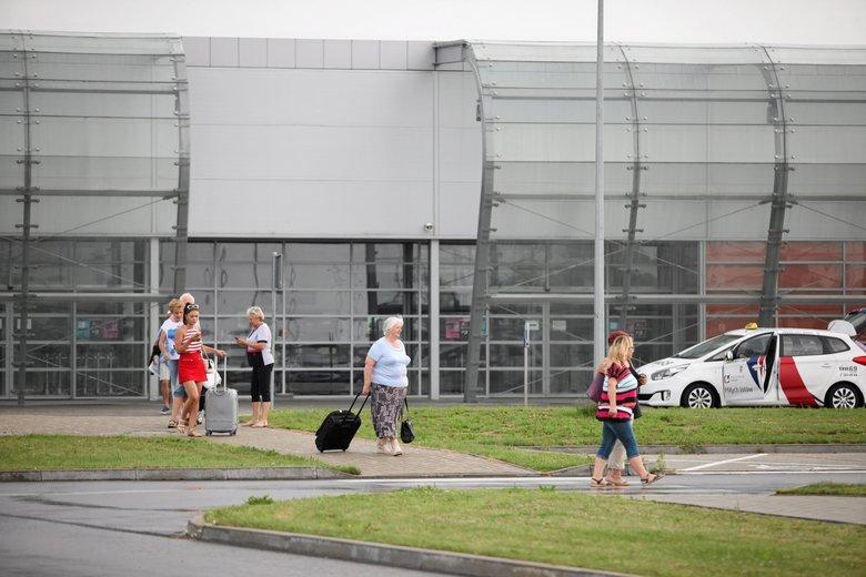 Z Radomia nie chcą latać żadni przewoźnicy. Uważają, że przeniesienie ruchu lotniczego ze stolicy do Radomia jest zagrożeniem dla ich działalności.