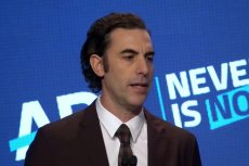 Aktor i komik Sacha Baron Cohen zaatakował Facebooka i inne platformy mediów społecznościowych za umożliwienie rozprzestrzeniania się mowy nienawiści i dezinformacji.