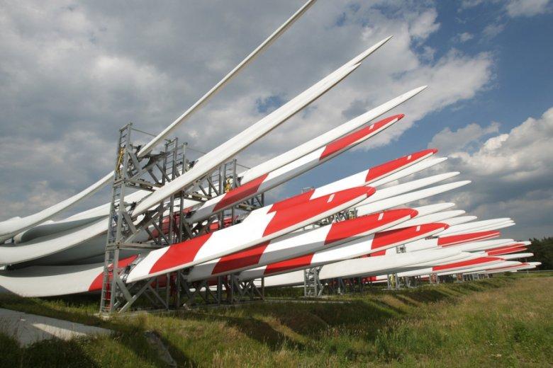 Czekająca na podpis prezydenta ustawa, nazywana Lex Energa, pozwoli koncernom energetycznym odciąć się od wspierania OZE.
