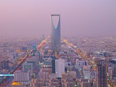 Arabia Saudyjska to największy arabski rynek pracy. Kiedyś przyciągała zagranicznych specjalistów, dziś z niej uciekają