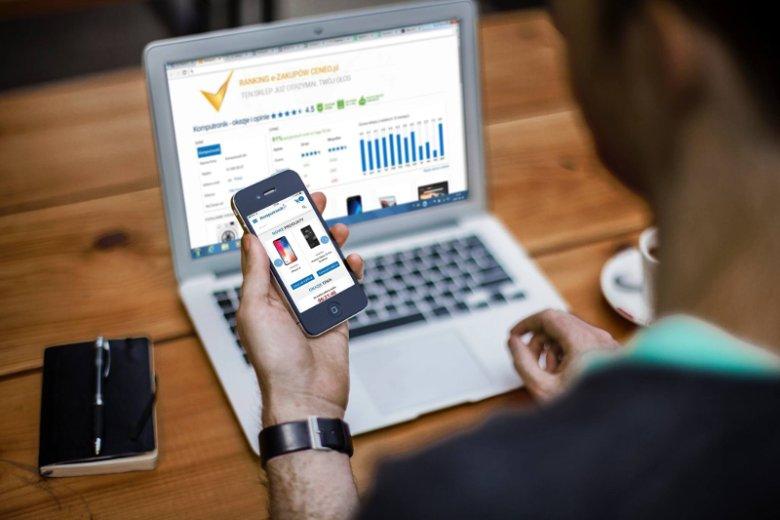 Adquesto to bezpłatna bramka treści, którązaprojektowano jako rozwiązanie kompromisowe dla reklamodawców, wydawców i czytelników serwisów internetowych. Nowy format w reklamie internetowej opracował polski start-up, którego prezesem jest Adam Majewski