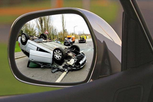 Komisja Europejska proponuje, by razem z alkolockami w nowych samochodach montować również inne zaawansowane systemy bezpieczeństwa.