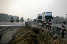 Jednym z najbardziej spektakularnych sposobów wydawania unijnych pieniędzy było budowanie w Polsce nowych dróg.