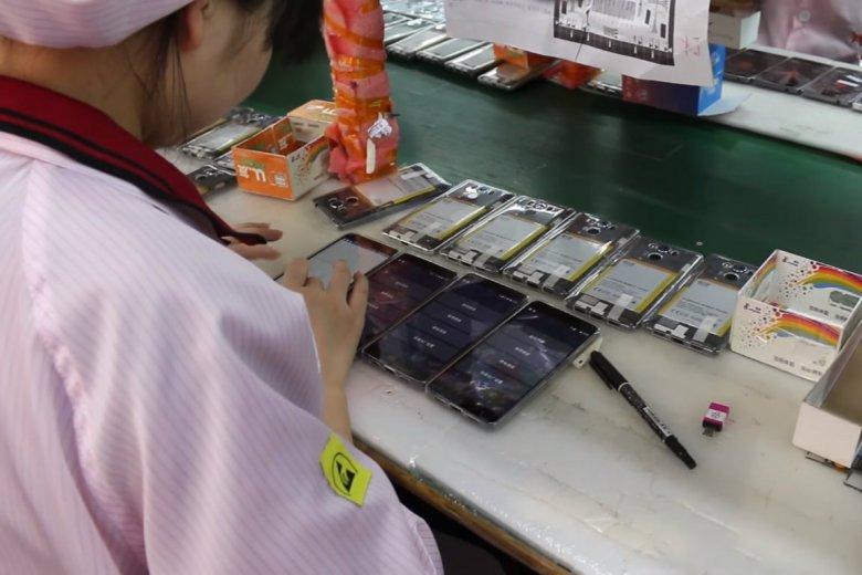 Uczniowie składali pod przymusem w fabryce Foxconn modele iPhone'a X
