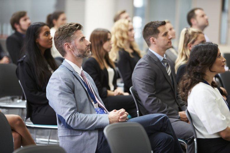 Program MBA, w którą co roku swój czas i pieniądze inwestuje tysiące osób na całym świecie, na dobre zakorzenił się w polskim systemie szkolnictwa wyższego. Dlaczego warto ubiegać się o ten tytuł?