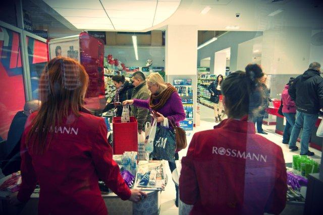 Wystarczyło dać rabaty i nowa aplikacja Rossmanna jest najczęściej pobieraną w Polsce.