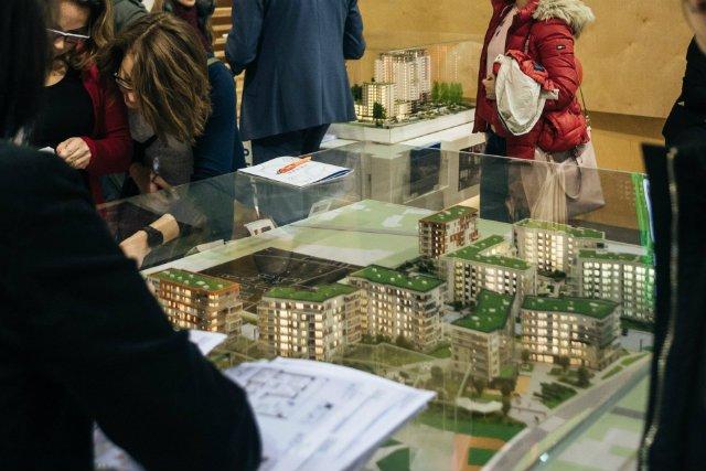 Mieszkanie plus - jak wyglądają warunki wynajmu? Stan deweloperski czy pod klucz? Ile kosztuje czynsz?