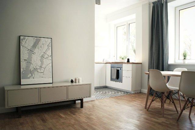 Zdaniem Uli Jurkowskiej minimalistyczna forma sprawia, że plakaty pasują do każdego wnętrza