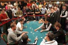Jeszcze do niedawna poker był grą tylko dla ludzi – bez problemu wygrywali z komputerami.