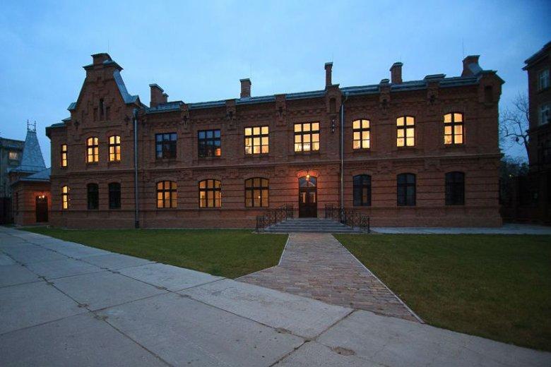 Google wybrał na swoją siedzibę dawną wytwórnię wódki Koneser na warszawskiej Pradze (na zdj.)