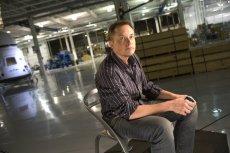Institutional Shareholder Services (ISS) sugeruje, że Elon Musk wziął na swoje barki zbyt dużo obowiązków