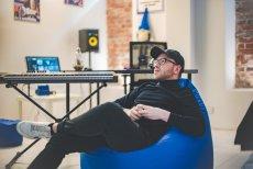 Rafał Konieczny stworzył inkubator artystyczny, w którym każdy może napisać i nagrać własną, autorską piosenkę.
