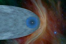 Obydwie sondy Voyager opuściły już Układ Słoneczny, na pożegnanie wysyłając dość zaskakujące dane. Ale nie one jedyne pokazują, że o Wszechświecie bardzo wielu rzeczy jeszcze nie wiemy.