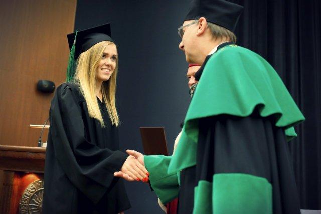 Uroczystość wręczenia dyplomów ukończenia studiów wyższych na Wydziale Biologii i Ochrony Środowiska UMK