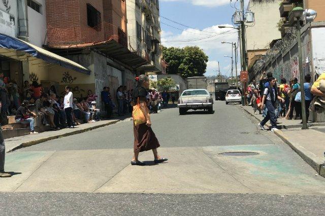 Życie na ulicach Caracas toczy się normalnie - opowiada Czukiewski