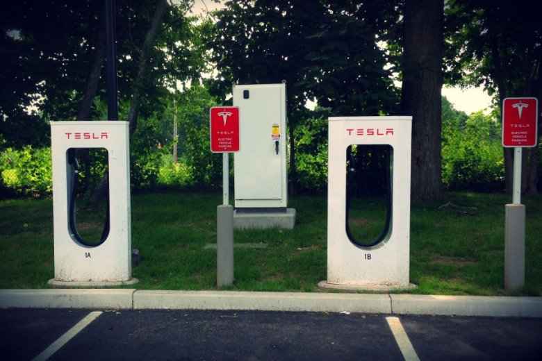 W Polsce za 10 lat ma być milion aut elektrycznych.