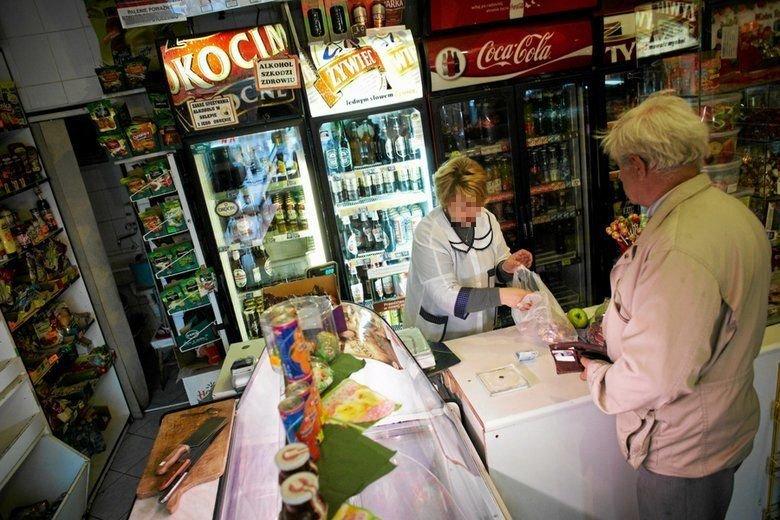 Rząd bagatelizuje fakt, że małe sklepy upadają po wprowadzeniu zakazu handlu w niedziele