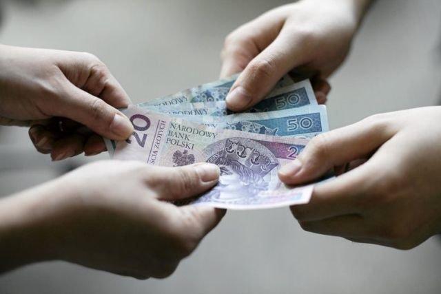 W porównaniu do ubiegłego roku średnie zarobki Polaków są wyższe aż o 7,6 proc.