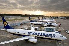 Nad Ryanairem zbierają się czarne chmury. Przewoźnik odwołuje tysiące lotów i uziemia swoje samoloty