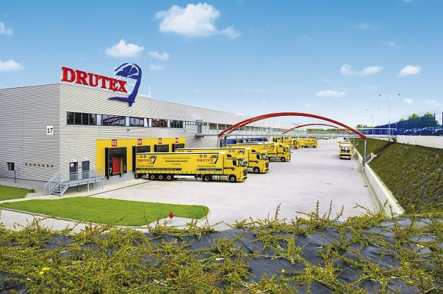Europejskie Centrum Stolarki to warta 200 mln inwestycja Drutexu, dzięki której polski producent stolarki okienno-drzwiowej zapewnia sobie samowystarczalność i niezależność produkcji