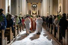 Kościoły katolicki i ewangelicki w Niemczech mają coraz mniej wiernych, ale coraz więcej pieniędzy.