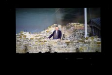 """Kadr z dokumentu """"The Royal Tour"""" z premierem Mateuszem Morawieckim."""