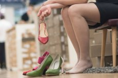 Mierzenie w sklepach dziesiątek par butów, by znaleźć idealny rozmiar, to dla niektórych mordęga.