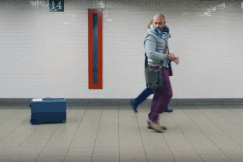 0452027e17b73 Inteligentny bagaż nie tylko sam się porusza, ale i ryzyko jego zaginięcia  jest minimalne.