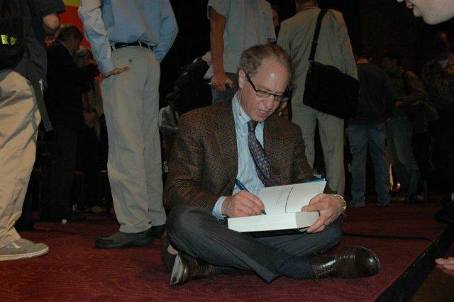 Ray Kurzweil to guru dla milionów ludzi na świecie, którzy szukają odpowiedzi na pytanie, jak będzie wyglądał w przyszłości świat, w którym żyjemy.