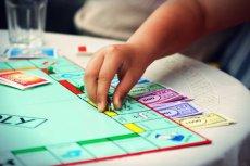 Hasbro, wychodząc naprzeciwko oczekiwaniom graczy, przygotowało specjalną edycję Monopoly dla oszustów