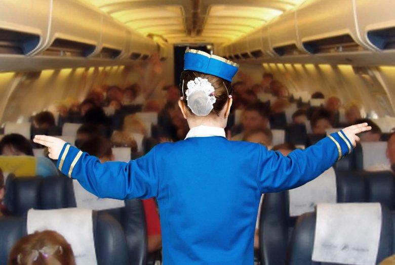 Dziennikarz Daily Mail wziął udział w rekrutacji Ryanaira. Pokazuje, że praca u znanego przewoźnika wiąże się z wieloma niedogodnościami
