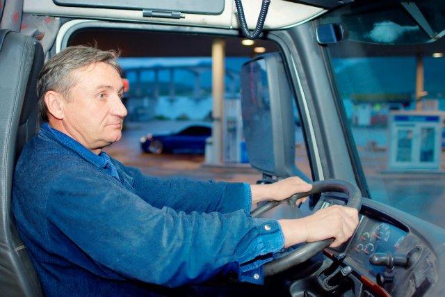 W Polsce brakuje około 100 tys. kierowców - szacuje PwC