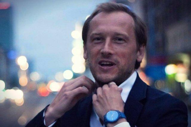 Prezes Fachowców, Piotr Surmacki