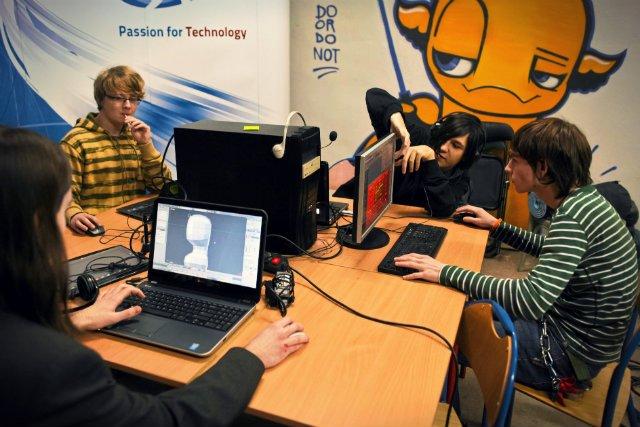 W 2020 roku w UE będzie brakować około miliona informatyków - podaje Komisja Europejska