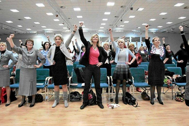 Jedynie co szósta osoba we władzach polskich firm to kobieta.