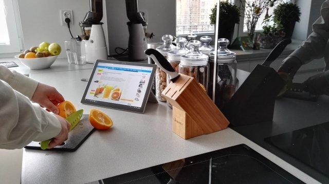 Krótka przerwa na Shake w pracy, Microsoft Surface Pro 4